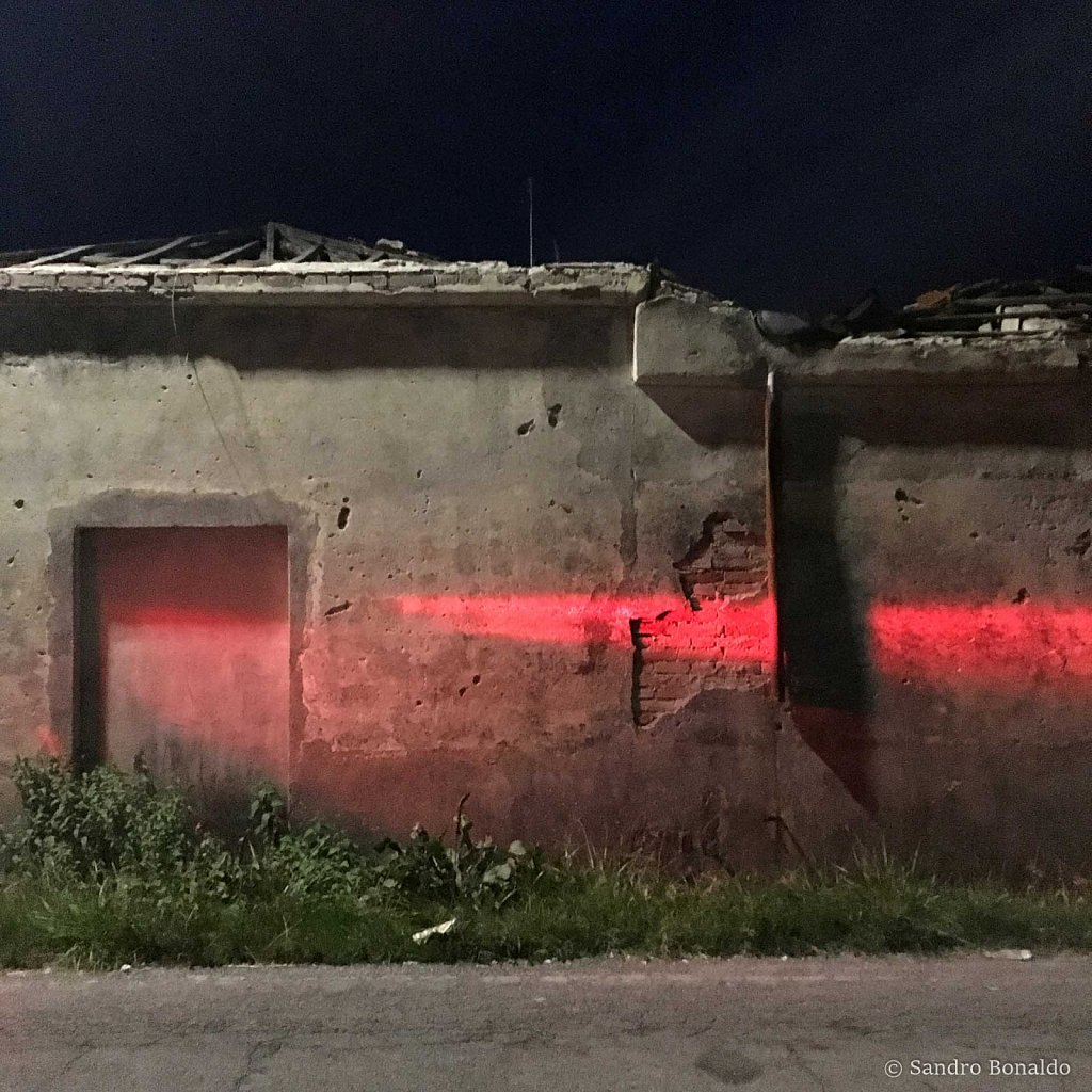 Red-001.jpg