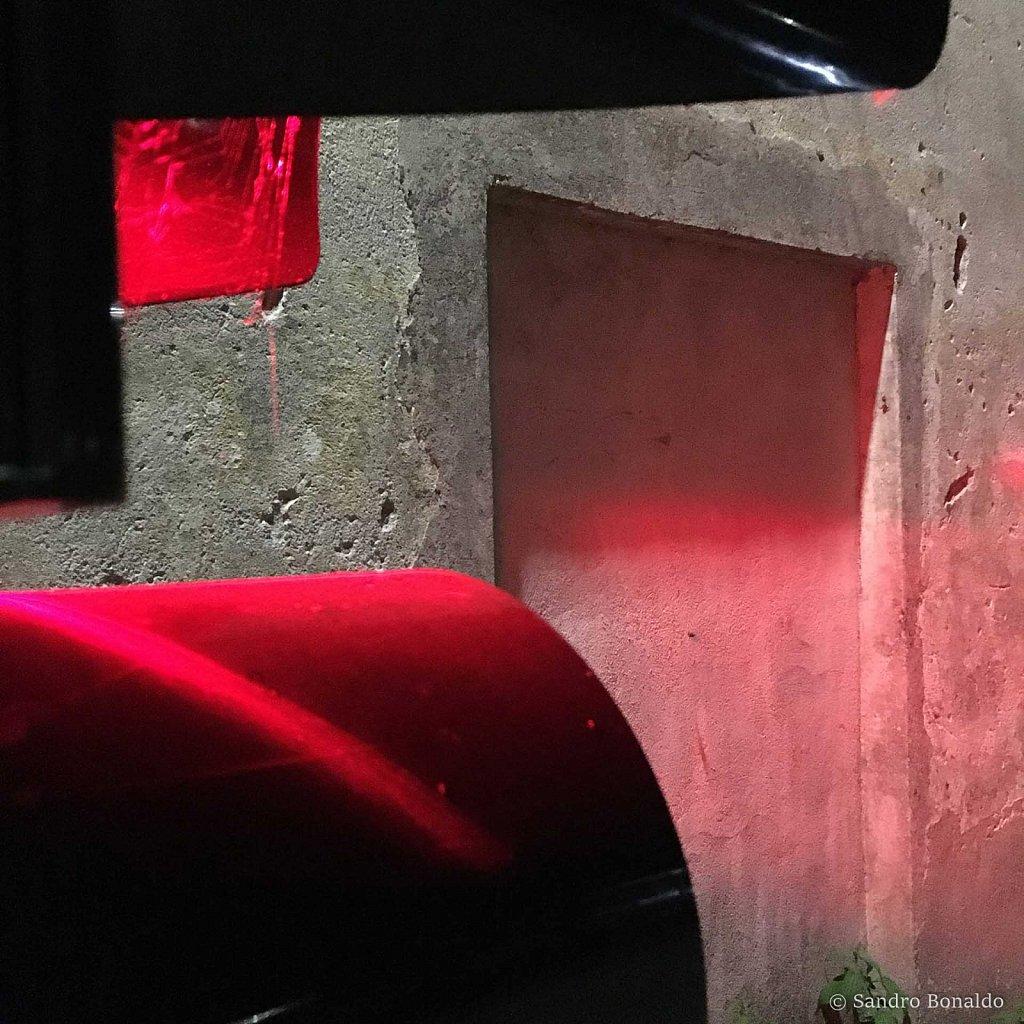 Red-003.jpg